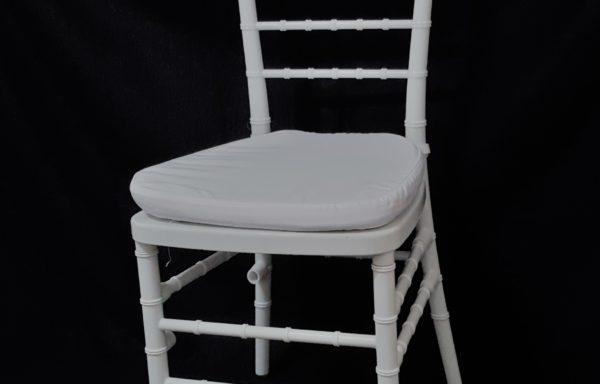 Sedia Chiavarina colore bianco – cuscino bianco